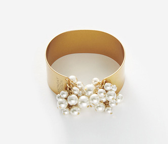 Pearl Drops Bold Bangle