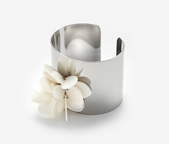 Shell Flower Bangle