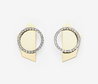 Metal Back Board Crystal Earrings 먼데이에디션