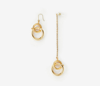 [Monday Edition] Linked Circles Unbalanced Earrings  (30%off)