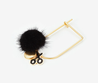 [ME x Chocomoo] Pompom scissoring loket bangle